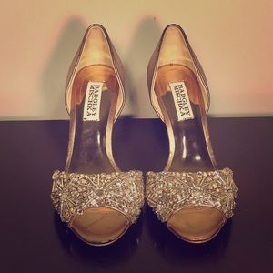 NWOT Badgley Mischka Rose Gold Heels (Size 5)
